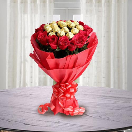 Marvellous Bouquet of Ferrero Rocher Chocolate with Roses
