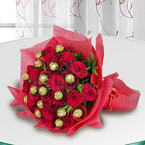 Exclusive Bouquet of Ferrero Rocher Chocolate with Roses