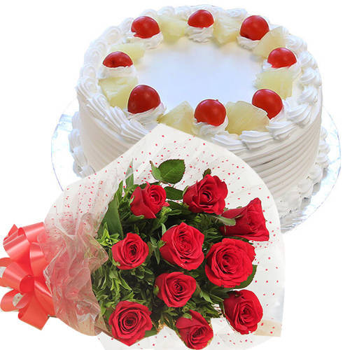 Delicious Pineapple Cake with Red Color Roses Bouquet