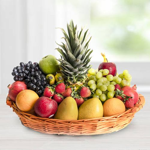 Delectable Fresh Fruits Basket