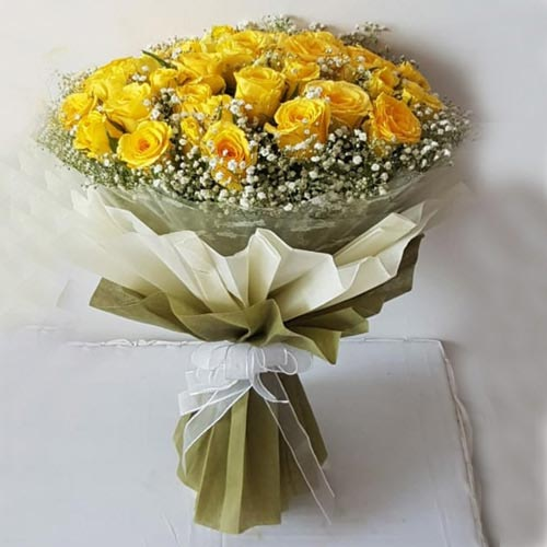 Brilliant 25 Yellow Roses Bouquet