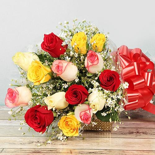 Artistic Bouquet of Mixed Roses for Mom