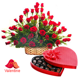 <u><font color=#008000> MidNight Delivery : </FONT></u>:51 Exclusive  Dutch Red    Roses  Arrangement with Cadburys Chocolate