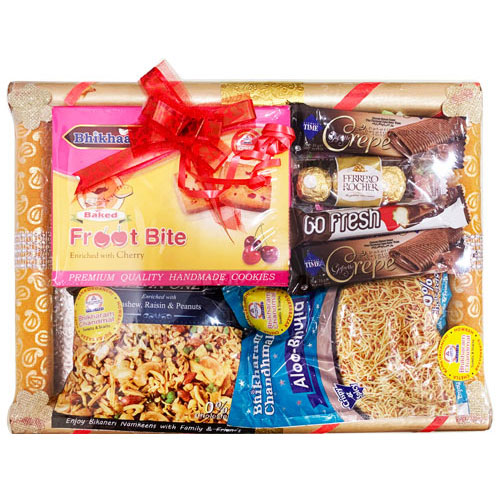 Amazing Sweets N Namkeen Hamper