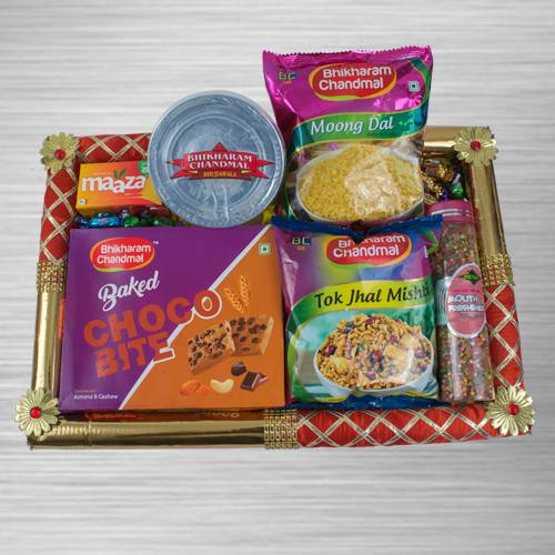 Captivating Assorted Food Hamper
